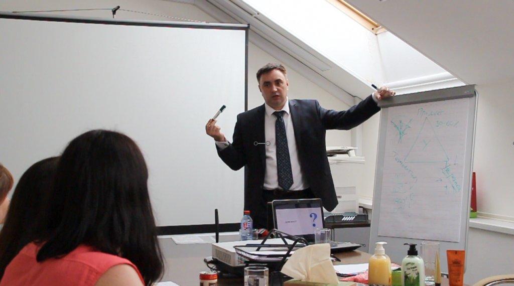 Александр Гич и его команда занимаются построением и обучение отделов продаж, мы знаем почему 87% компаний терпят неудачу при построении отдела продаж